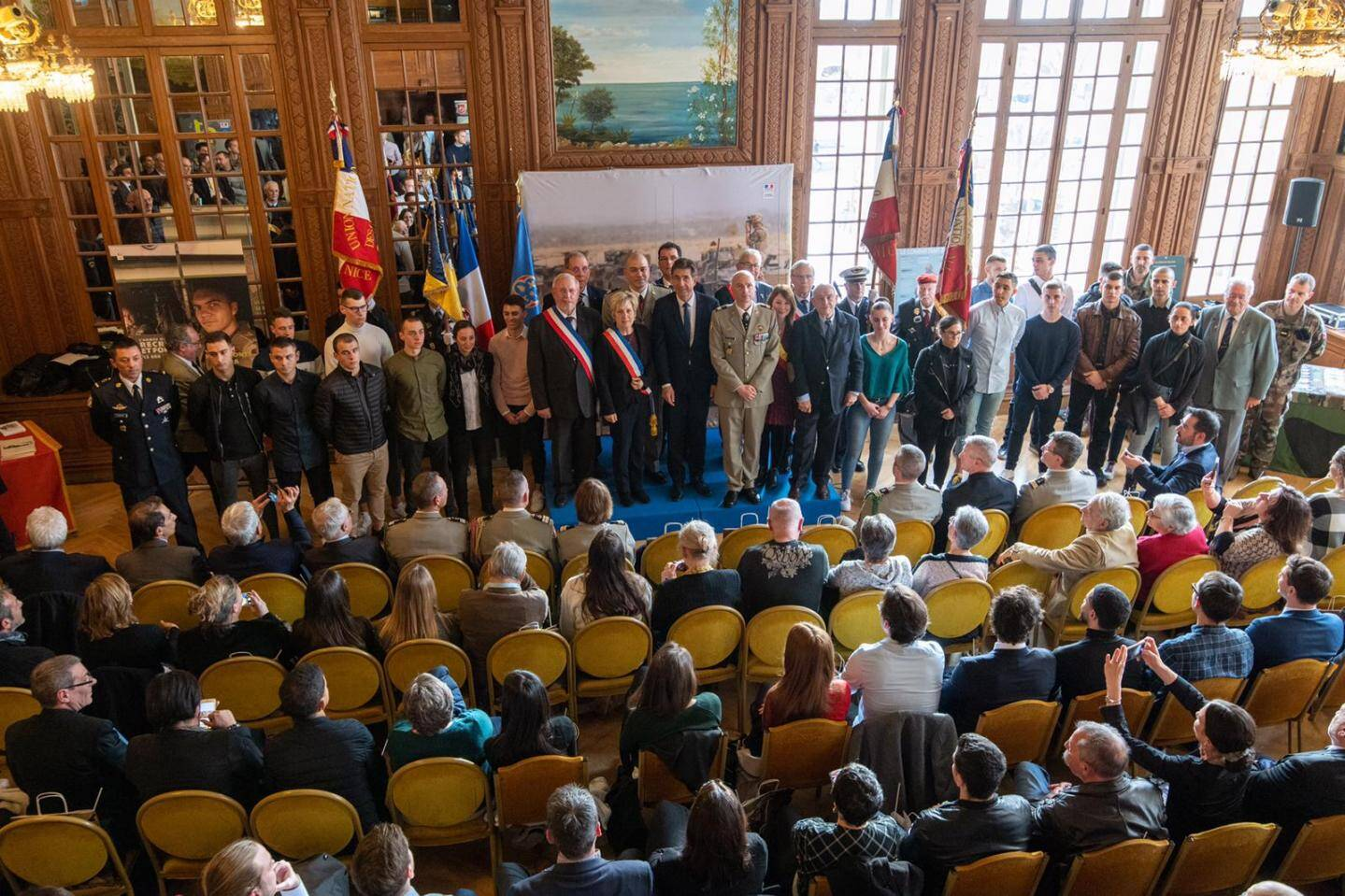La cérémonie se tenait dans les locaux du conseil départemental au palais sarde à Nice.