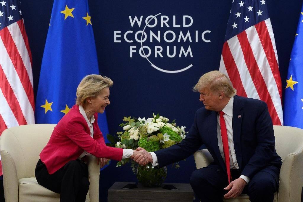 Le président américain Donald Trump et la présidente de la Commission européenne Ursula von der Leyen au forum économique de Davos, le 21 janvier 2020