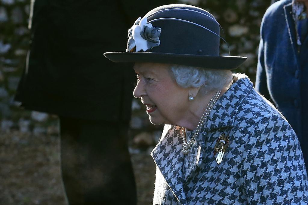 La reine Elizabeth à son arrivée à une messe à Hillington (est de l'Angleterre), le 19 janvier 2020.