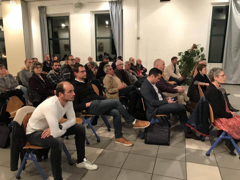 Christian Baccino entouré des élus et du conseil d'administration de la cave ont fait le point face à des coopérateurs nombreux et attentifs.