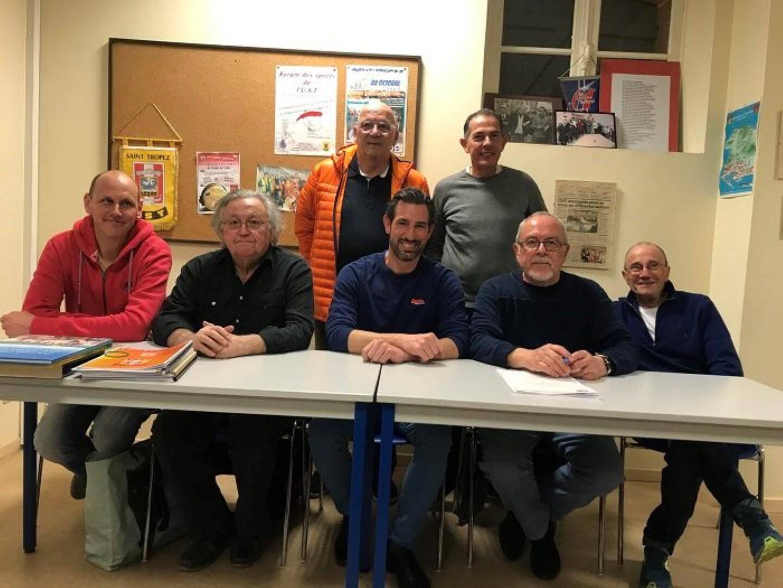 Le nouveau comité directeur de l'UST : MM. Caranta, Payan, Dellavalle, Marino (assis de g. à d.) et debout MM Guigues et Eprinchard.