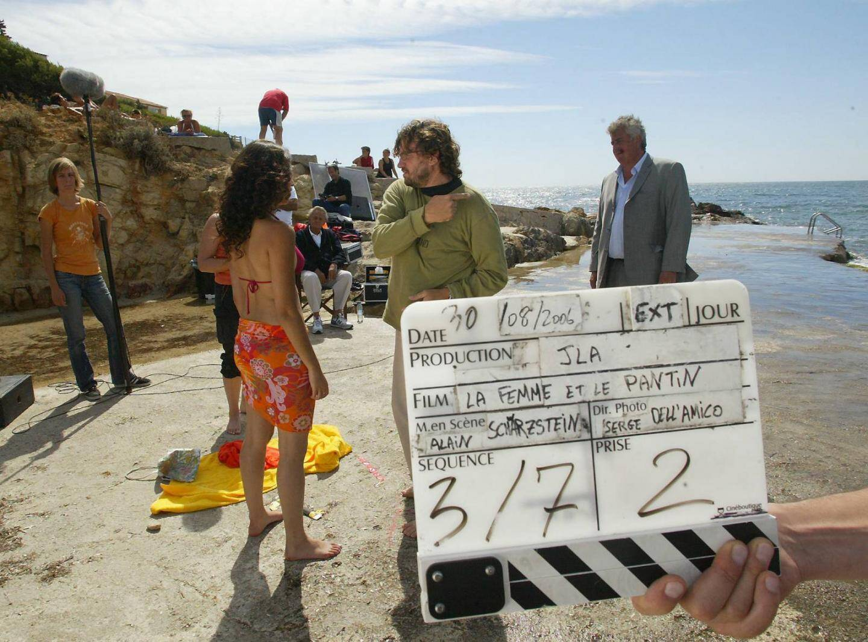 Roger Hanin était à l'affiche de La femme et le pantin, dont le tournage s'était déroulé dans le Var, à la villa Rocabella mais aussi sur la plage de Portissol, à Sanary.