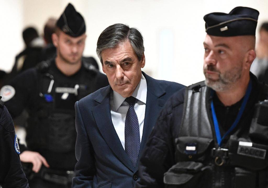 L'ancien Premier ministre François Fillon arrive au tribunal, le 27 février 2020 à Paris