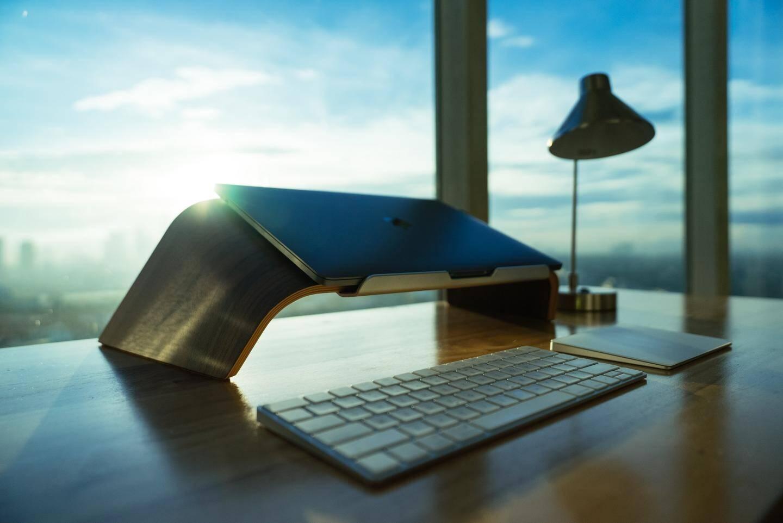 De la lumière près du bureau... C'est important !