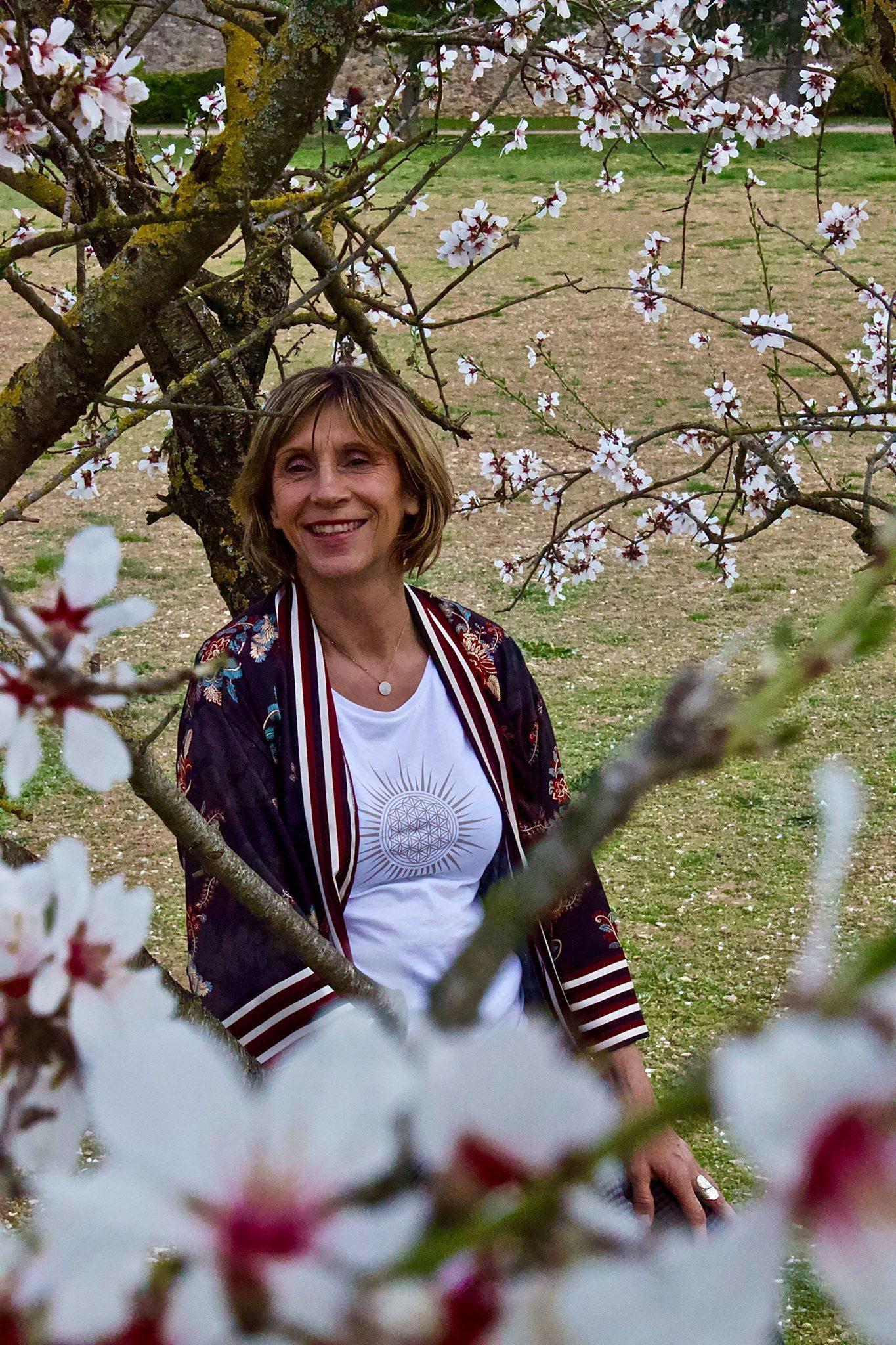 Anne Bonnélie est la fondatrice de l'Atelier Hemera