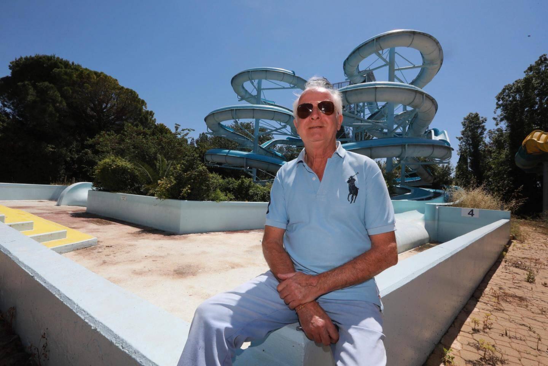 Michel Moenner, directeur départemental d'Aqualand, reste optimiste. Pour préparer la réouverture, il a établi un protocole qui devra être accepté par le ministère, le préfet et le maire.