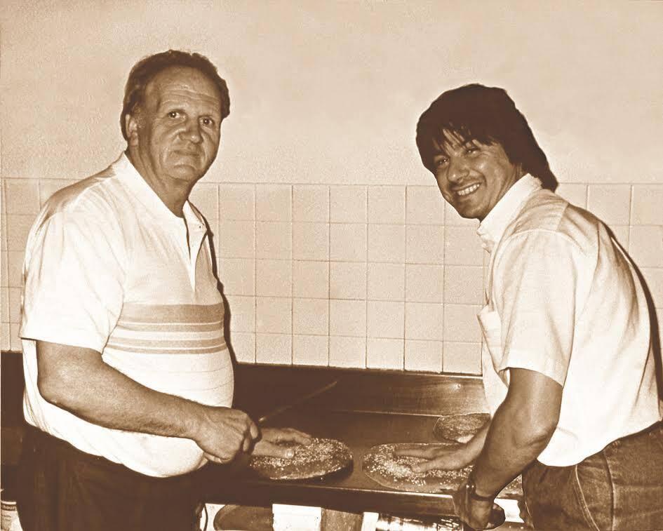En 1985, Alexandre Micka transmet le secret de la tarte tropézienne à Albert Dufrêne.