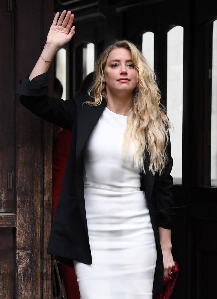 L'actrice Amber Heard arrive au tribunal à Londres le 27 juillet 2020 dans le cadre du procès impliquant son ex mari Johny Depp