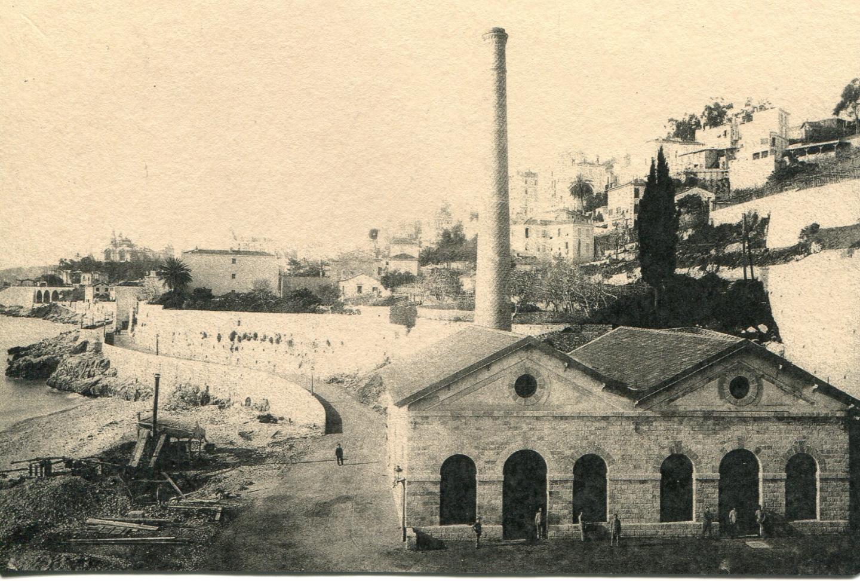 L'usinage de pompage des eaux, inaugurée en 1893 sur la plage.