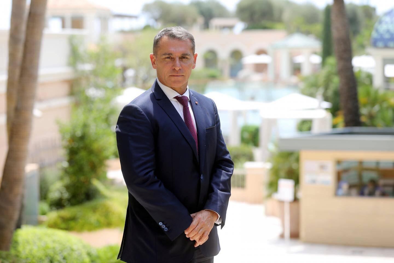 Frédéric Darnet, directeur général du Monte-Carlo Bay Hotel, veut sauvegarder les emplois et les résultats de l'entreprise.