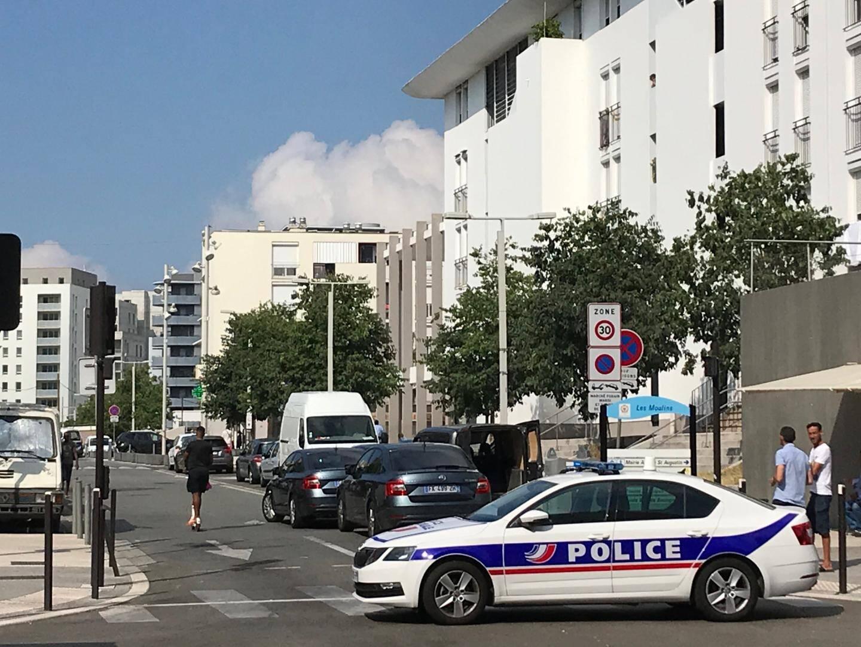 La police sur la zone des tirs, hier matin.(DR)