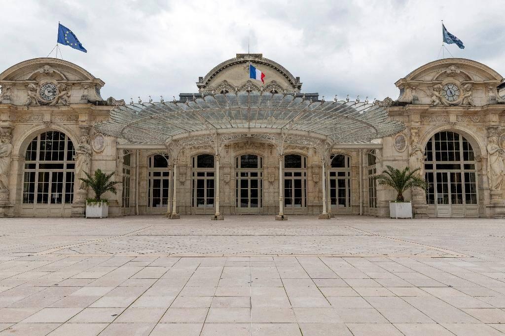 L'Opéra de Vichy, le 11 juin 2020, où 80 députés de l'Assemblée nationale, réunie à l'opéra de la ville, qui ont refusé de voter les pleins pouvoirs à Pétain en 1940
