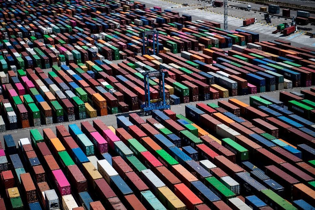 Les conteneurs sur les quais du port industriel de Marseille, à Fos-sur-Mer, tout près de Marseille, le 23 juillet 2020.