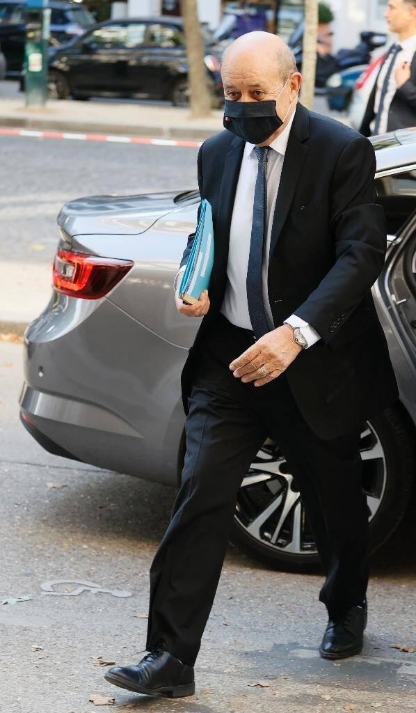 Le ministre des Affaires étrangères Jean-Yves Le Drian à son arrivée au séminaire, le 11 juillet 2020 à Paris