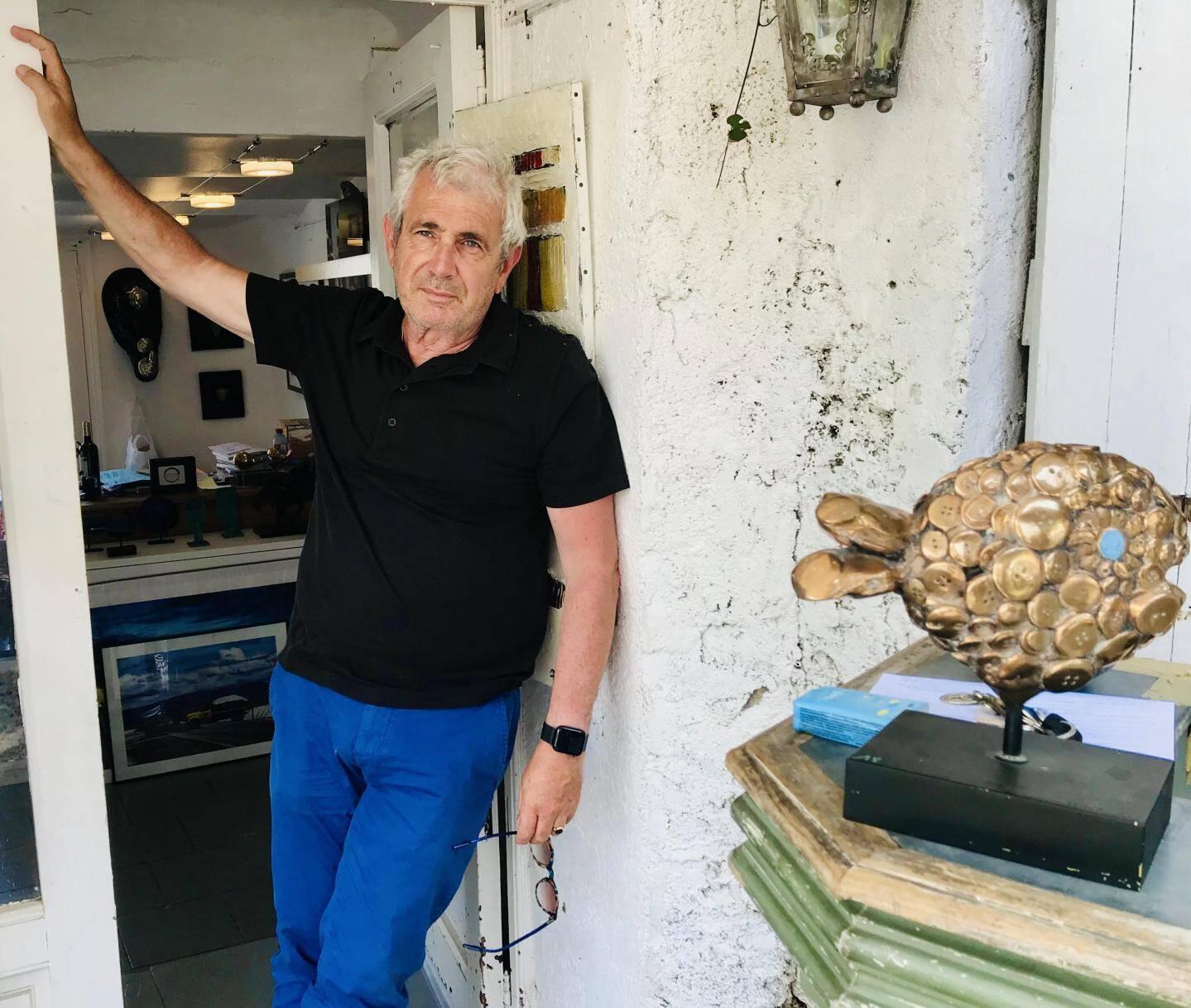 """""""Si j'étais bouddhiste, sûr que je me réincarnerais dans plusieurs mères juives"""", affirme Michel Boujenah."""
