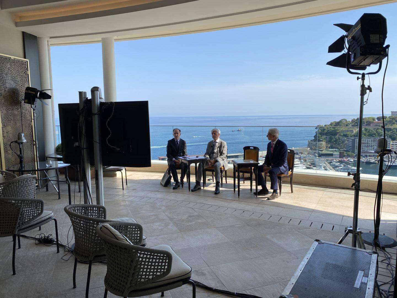 Le Pr Muhammad Yunus, le conseilleur de gouvernement ministre des Finances et de l'Economie, Jean Castellini, Michel Bouquier, qui dirige Monaco Private Label, et Ivan Artolli, directeur de l'Hôtel de Paris.