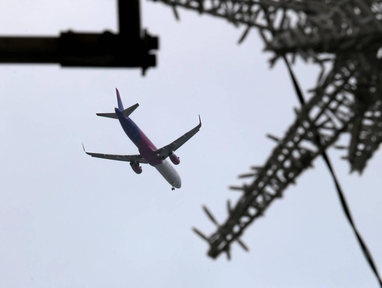 Malgré la reprise progressive du trafic aérien, des vols continuent d'être annulés.