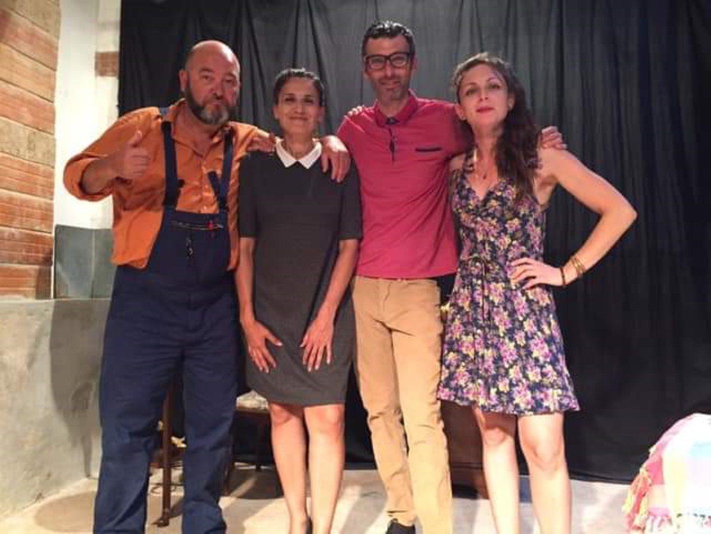 Dans la pièce La Réunion du syndic, programmée en octobre à Marseille et Toulon, Stéphane Martinet (à gauche) joue le rôle d'un plombier bourru.
