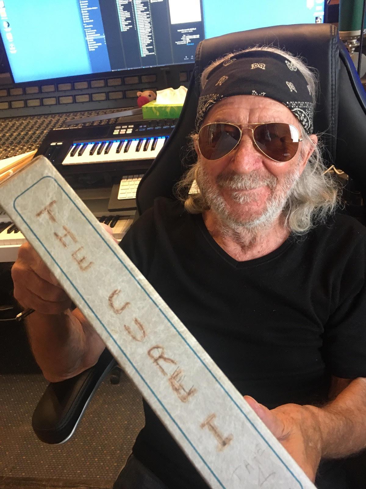Jean Costa a accueilli The Cure dans son studio durant 1 mois.