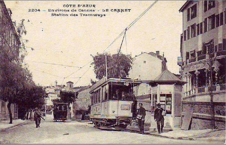 Une ligne au départ de Cannes allait jusqu'au Cannet, là où se trouve encore aujourd'hui, le terminus des bus.