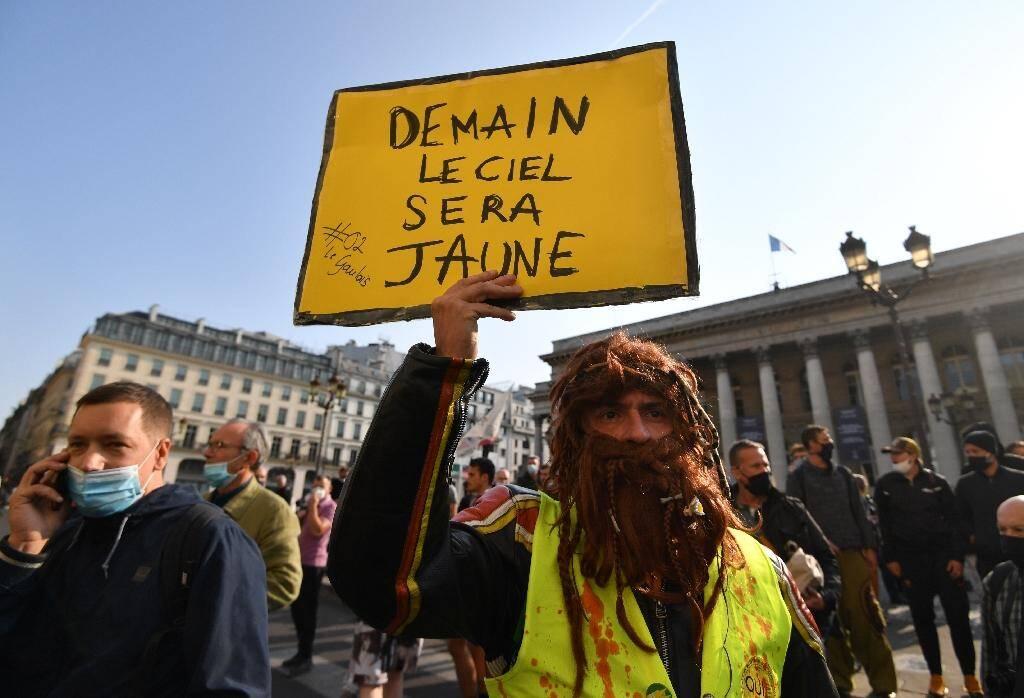 Sur la place de la Bourse à Paris le 12 septembre 2020