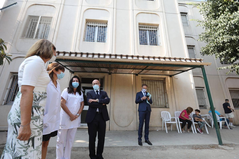Le député Éric Ciotti a visité les locaux vieillissants de Sainte-Marie.