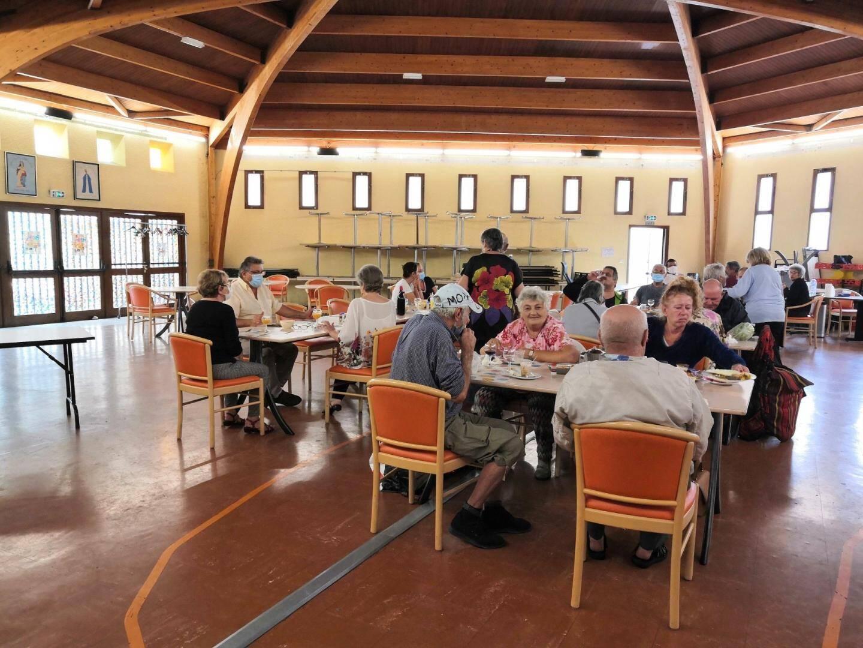 Le restaurant social a retrouvé ses habitués. Avec, protocole sanitaire, oblige, seulement quatre convives par table, désormais.
