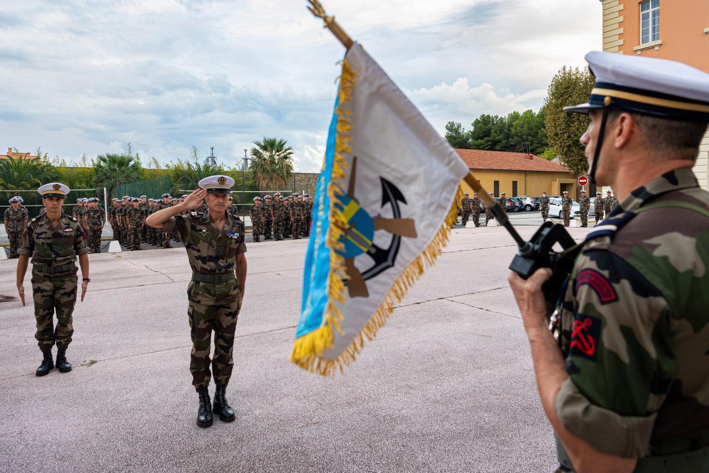 Le 22 septembre dernier, le fanion Détroyat a été présenté pour la première fois au bataillon de fusiliers marins de Toulon.