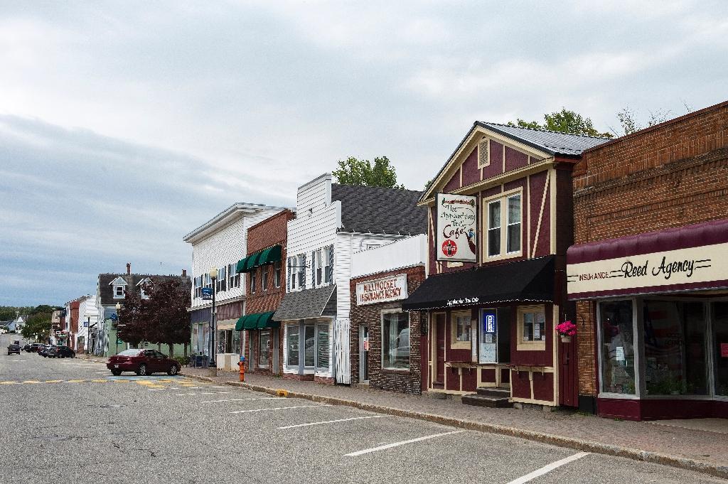 """Le centre-ville de la petite ville de Millinocket en septembre 2020, dans l'Etat américain du Maine, qui a connu un évènement """"ultra-propagateur"""" du Covid-19"""