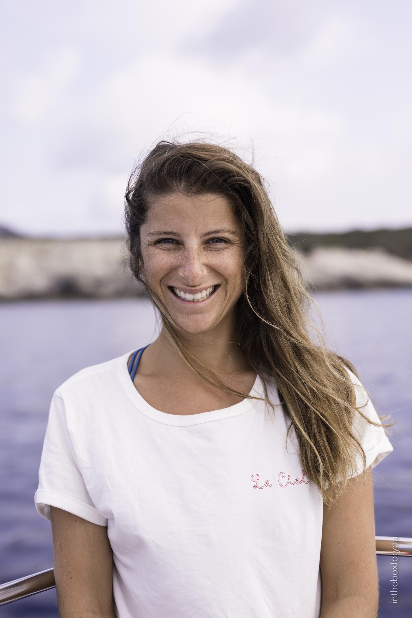 Deborah Pardo, la cofondatrice de Earthship Sisters, lance un appel aux villes portuaires varoises qui voudraient bien accueillir ces entrepreneuses en escale pour des animations de sensibilisation à la protection de l'environnement.