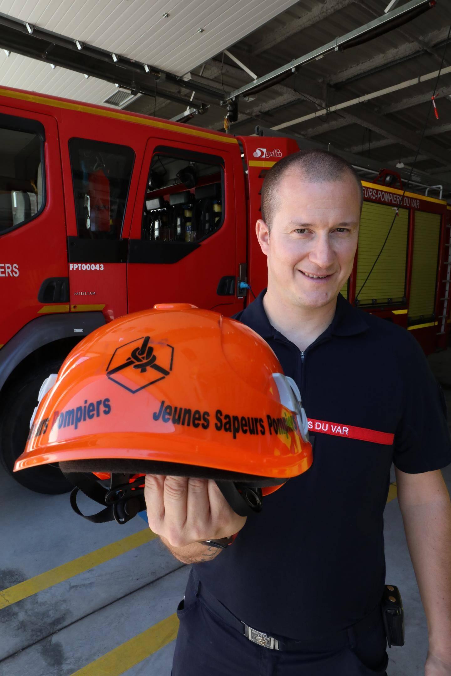 Aymeric Belleau formateur des jeunes sapeurs-pompiers.