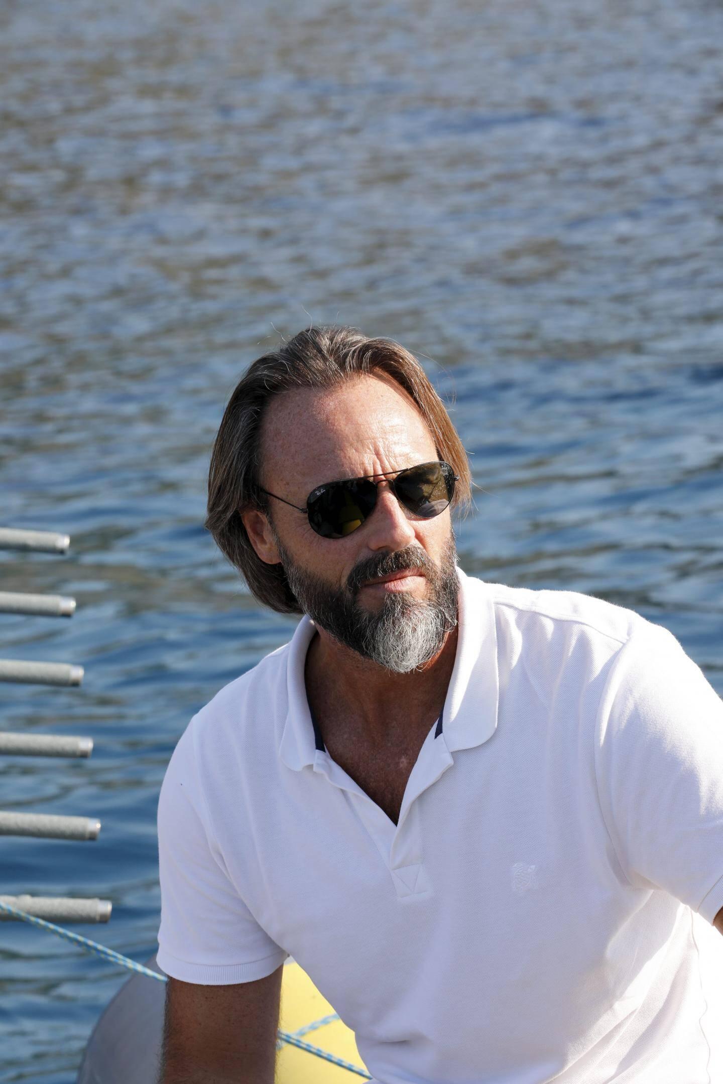Laurent Parenté était à Carqueiranne pour découvrir les balises mises au point par la société CLS.