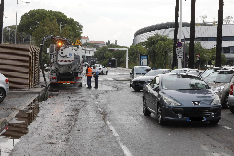 Les rues ont été vidées des eaux de pluie.