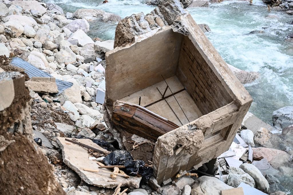 Un cercueil au cimetière de Saint-Dalmas-de-Tende le 6 octobre 2020