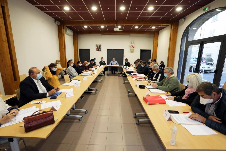 Lors de la séance du conseil municipale à Forcalquereit