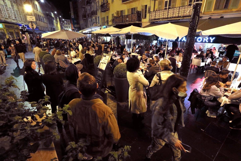 Place du Pin, à Nice, vendredi soir.