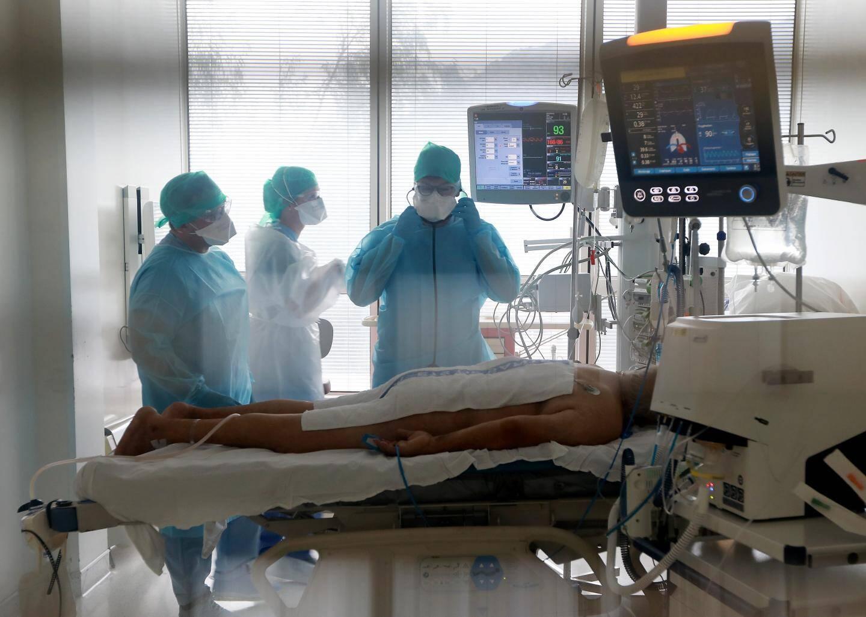 Trois lits sur quatre sont occupés dans les services de réanimation des hôpitaux de la Côte d'Azur.