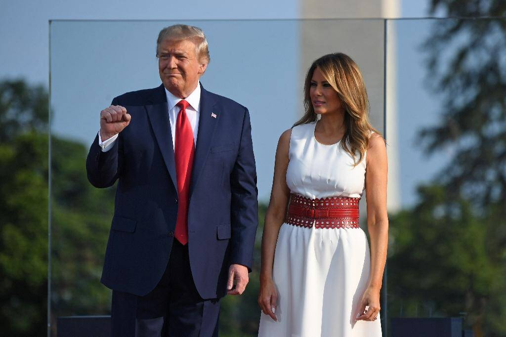 Donald et Melania Trump participent à une cérémonie dans les jardins de la Maison Blanche le 4 juillet 2020