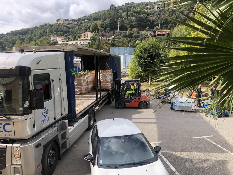 Après la levée d'interdiction de circulation de végétaux depuis la Corse, 1.500 arbres ont été reçus lundi.