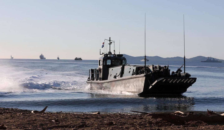 Deux semaines durant, les Varois et nos voisins des Bouches-du-Rhône ont vu croiser au large des côtes d'imposants bateaux de guerre ou des plus modestes.