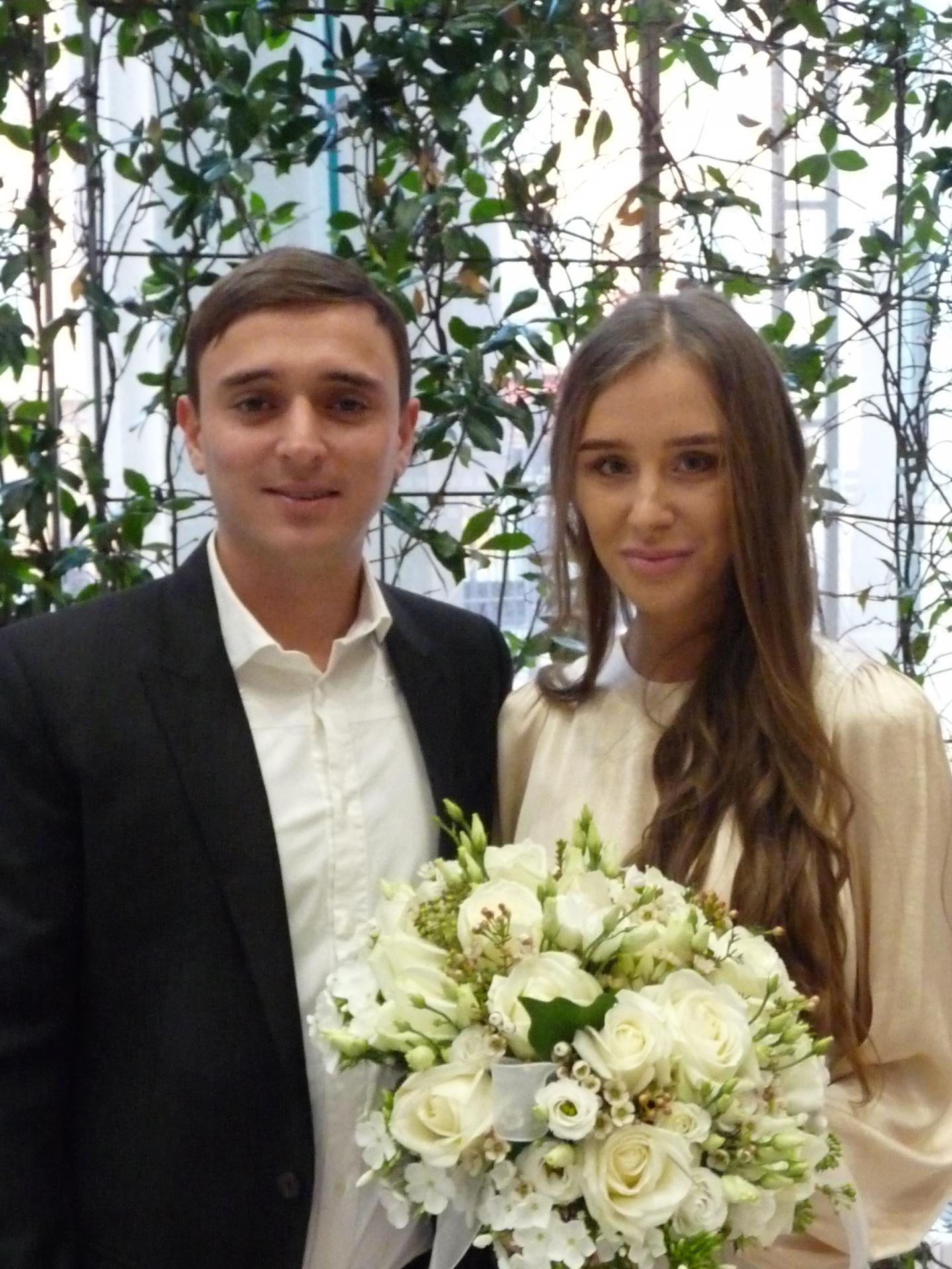 Guillaume Lion, directeur d'une agence immobilier et Viktoria Kalinina, employée de banque.