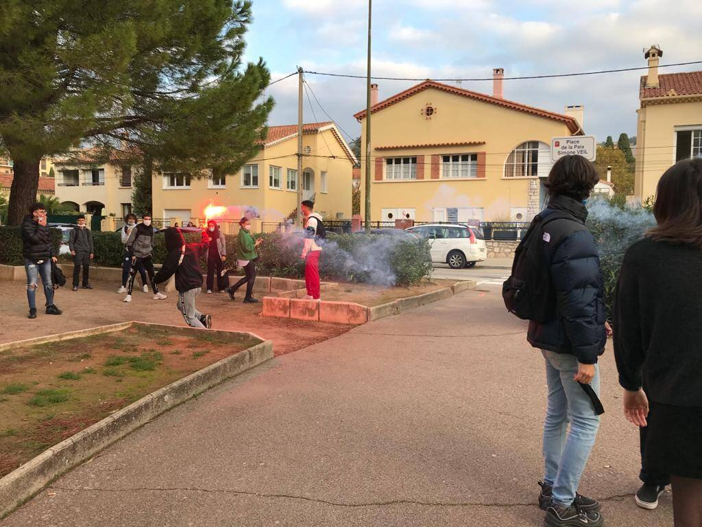Mobilisation des lycéens de Jean-Moulin à Draguignan.