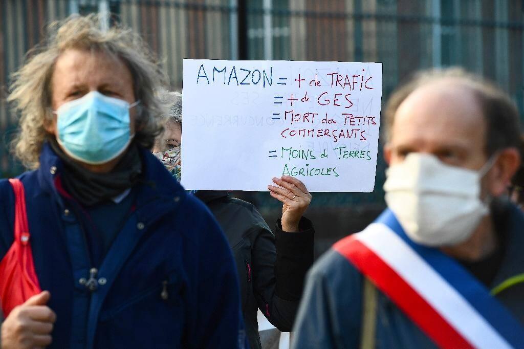 Manifestation contre l'installation d'Amazon en Alsace, le 5 novembre 2020 à Colmar