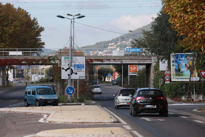 La route longeant l'Auberge provençale dans le quartier de la Pauline est accidentogène.