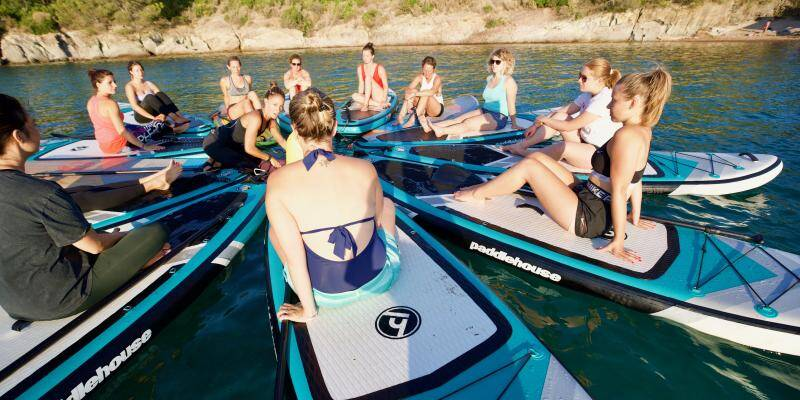 On a testé pour vous le paddle yoga à Saint-Raphaël