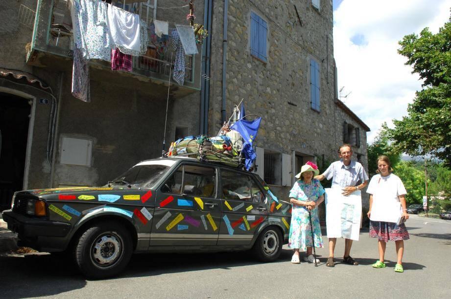 Marc et Isabelle avec Marie-Thérèse lors de leur départ de Châteauneuf mi-juillet.