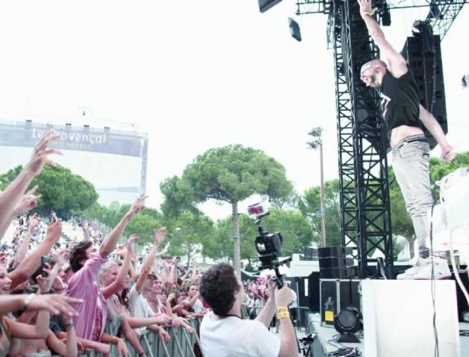 Devant quatre mille personnes, « The Subs », un groupe belge, avait inauguré la première des deux soirées de Rock it le 30 juillet.(Photo Franck Fernandes)