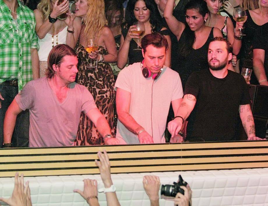 Avant la Sweedish House Mafia, Gotha et Palais s'étaient déjà disputé la présence exclusive de Paris Hilton : à Cannes, la concurrence fait rage !( Photos DR et Serge Haouzi)