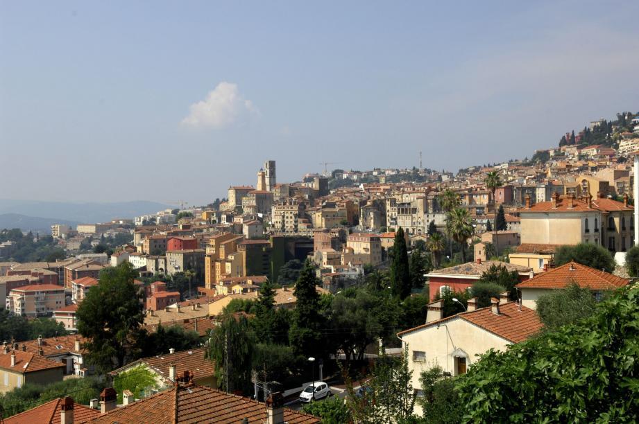 Le centre historique de Grasse vaut le détour. Encore faut-il avoir le courage d'y monter...(Photo archives X. G.)