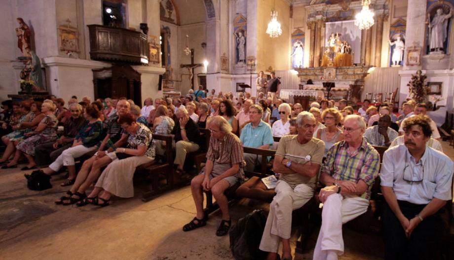 Le public, toujours plus nombreux pour les Rendez-vous de l'orgue vivant, n'a pas ménagé ses applaudissements. (Photos J.-P.B)